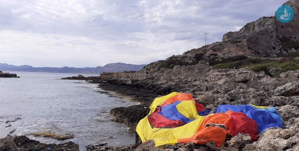 """Τραγωδία στη Ρόδο: Ελεύθερος ο χειριστής του σκάφους – Περαιτέρω προανάκριση για τον θάνατο των δύο παιδιών σε """"Parasailing"""" – ΦΩΤΟ"""