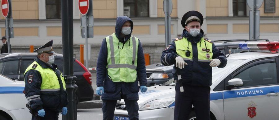 Ρωσία: Άνδρας οπλισμένος με τσεκούρι κρατά ομήρους 6 παιδιά στην Αγία Πετρούπολη – BINTEO