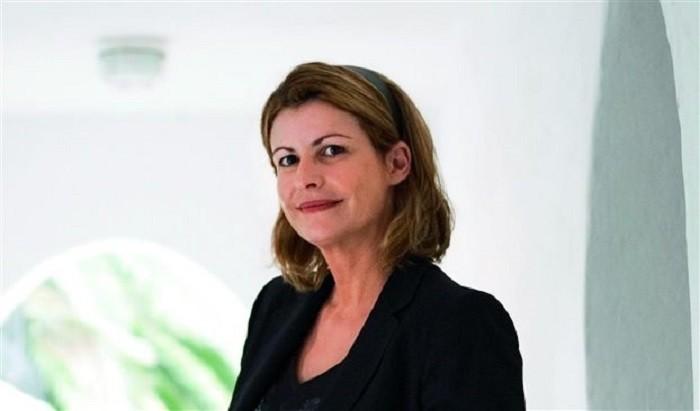 """Οι εξηγήσεις της Αλεξίας Έβερτ μετά την καρατόμησή της από τη θέση της Αντιδημάρχου Αθηναίων: Το σχόλιο μου για """"κατσαρίδες"""" και """"τρωκτικά"""" δεν αφορούσε στο ΚΚΕ – BINTEO"""