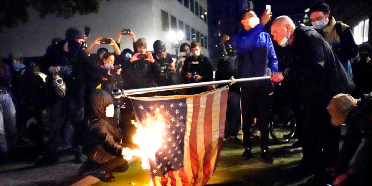 ΗΠΑ: Δακρυγόνα, συλλήψεις «αντιεξουσιαστών» διαδηλωτών στο Ντένβερ που αμφισβητούν τις εκλογές (ΒΙΝΤΕΟ)