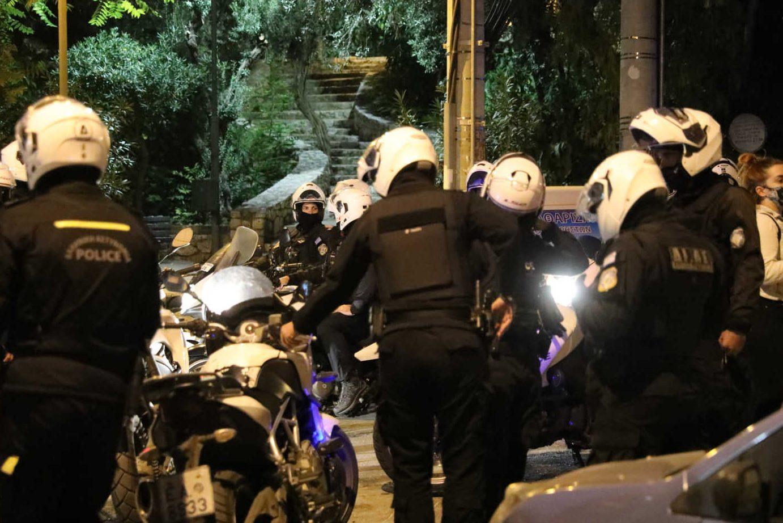 Συμπλοκές σε σταθμό Λαρίσης και Σεπόλια –  Ελεύθεροι όσοι προσήχθησαν στην πορεία  του ΚΚΕ – Πάνω από 100 προσαγωγές σε όλη την Αθήνα