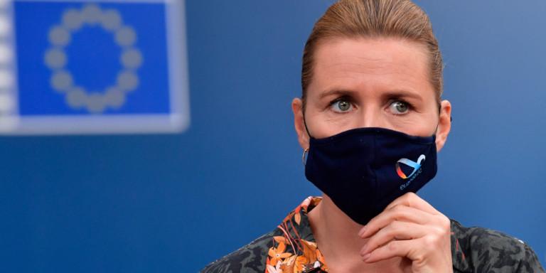 Η πρωθυπουργός της Δανίας έκλαψε για τα μινκ -Ζήτησε συγγνώμη για τη διαχείριση της υπόθεσης / ΒΙΝΤΕΟ