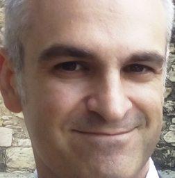 Γιώργος Κακαρνιάς : Ποιος θέλει να δικάζει μέσα στις φυλακές;