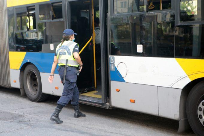 Μέσα σε 4 μήνες η Ελληνική Αστυνομία βεβαίωσε 41.962 παραβάσεις σε ολόκληρη τη χώρα για την εφαρμογή των μέτρων κατά του κορονοϊού