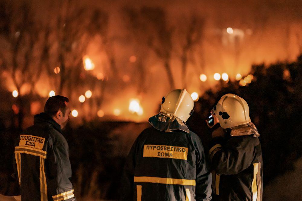 Σάμος: Μεγάλη φωτιά τα ξημερώματα στον καταυλισμό των μεταναστών – ΒΙΝΤΕΟ – ΦΩΤΟ