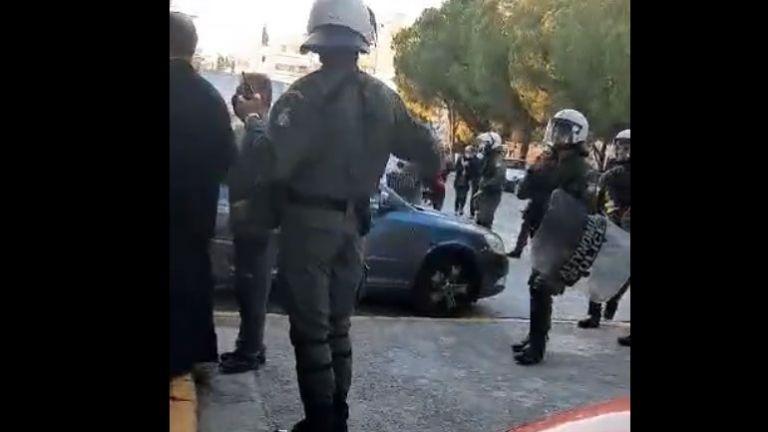 Διώξεις για πλημμελήματα στους συλληφθέντες σε Γαλάτσι και Νέο Ηράκλειο – Αφέθηκαν ελεύθεροι