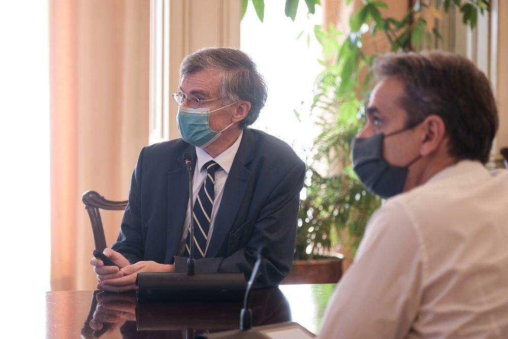 Έκτακτη σύσκεψη για την πανδημία το μεσημέρι στο Μέγαρο Μαξίμου με συμμετοχή Τσιόδρα