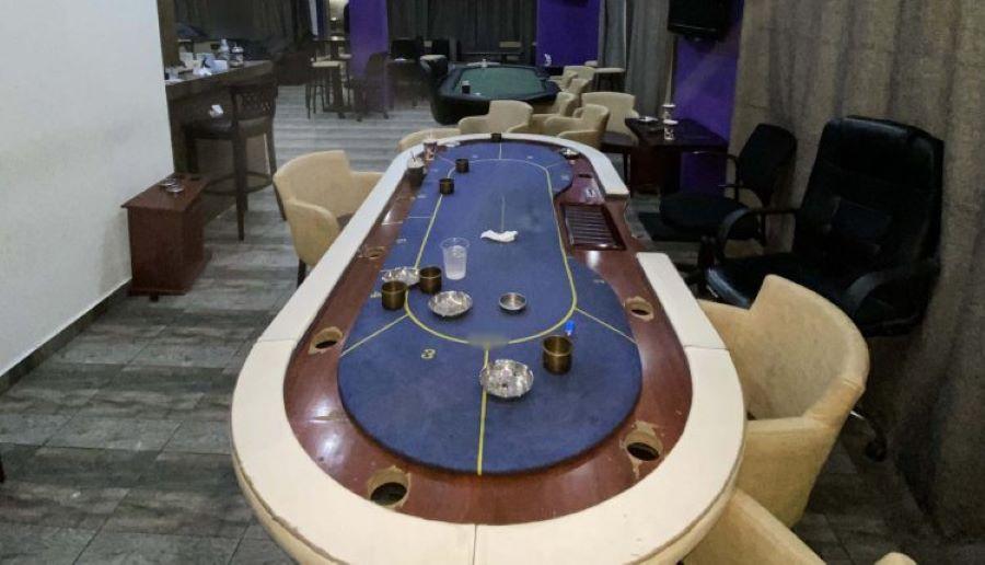 """Θεσσαλονίκη: Αμετ-ΑΝΟΗΤΟΙ πιάστηκαν να """"τζογάρουν"""" σε τουρνουά πόκερ εν μέσω lockdown – 18 συλλήψεις – ΦΩΤΟ"""