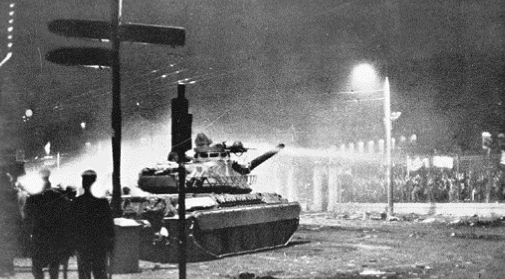 Πολυτεχνείο, 47 χρόνια μετά: Το χρονικό της αιματοβαμμένης εξέγερσης που άλλαξε τον ρου της ιστορίας και το πόρισμα του εισαγγελέα Τσεβά – ΒΙΝΤΕΟ – ΦΩΤΟ
