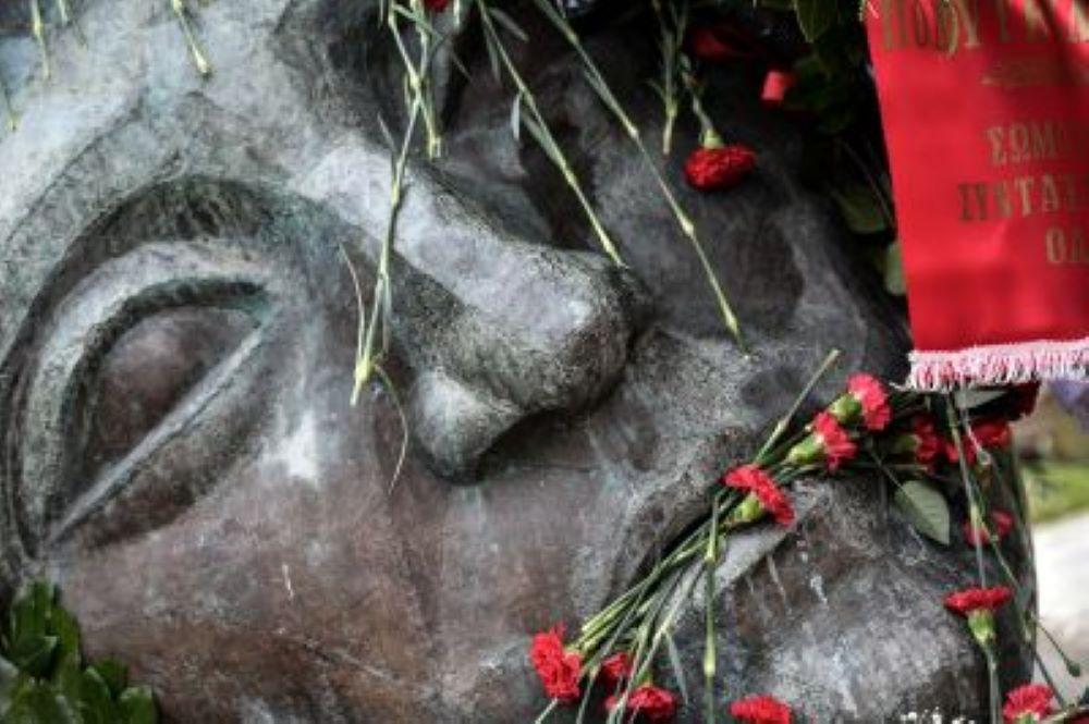 Εισαγγελία «καλεί» Τσίπρα, Κουτσούμπα και Βαρουφάκη για το Πολυτεχνείο – Ποια αδικήματα διερευνώνται μετά από καταγγελία του Φαήλου Κρανιδιώτη