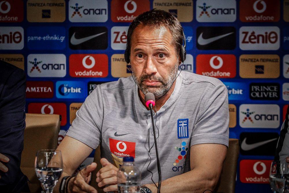Ο προπονητής της Εθνικής Ελλάδας Τζον Φαν'τ Σιπ θετικός στον κορονοϊό – Μπαίνει σε καραντίνα 14 ημερών