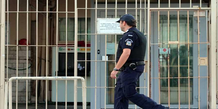 Σωφρονιστικοί υπάλληλοι: Υπάρχουν κρούσματα κορονοϊού στο 47% των φυλακών της χώρας