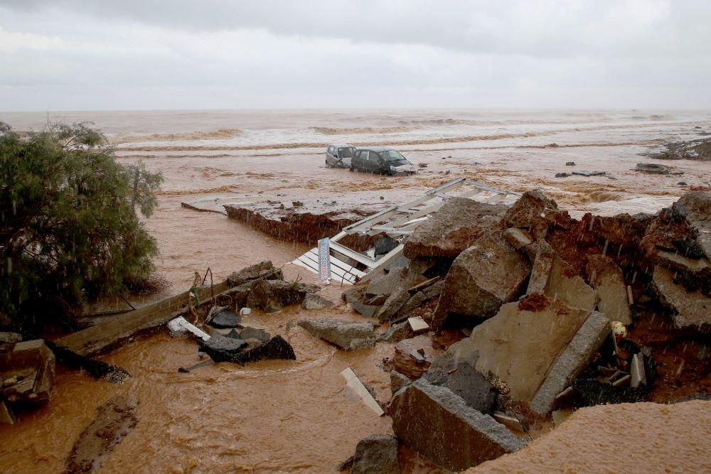 Οι εικόνες βιβλικής καταστροφής στην Κρήτη από τη θεομηνία μέσα από 10 ΣΥΓΚΛΟΝΙΣΤΙΚΕΣ ΦΩΤΟ