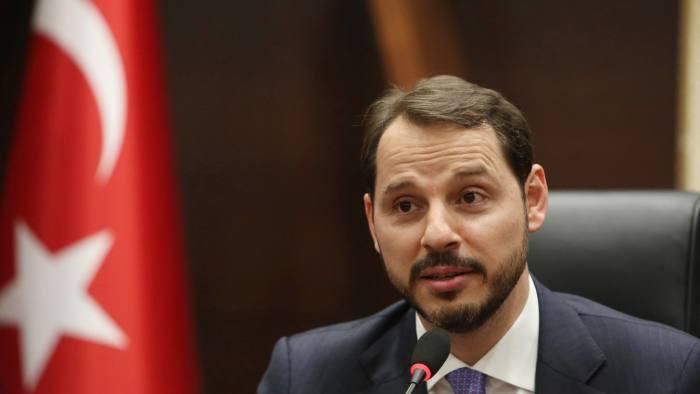 Αλμπαϊράκ : Δεκτή από τον Ερντογάν η παραίτηση του γαμπρού του – Ράλι ανόδου κάνει η λίρα  (ΒΙΝΤΕΟ)