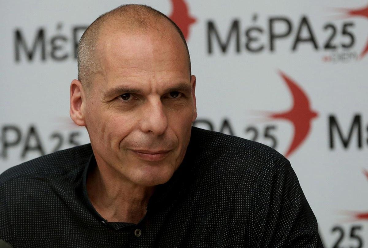 Τηλεφωνική προαναγγελία σύλληψης βουλευτών καταγγέλλει ο Βαρουφάκης