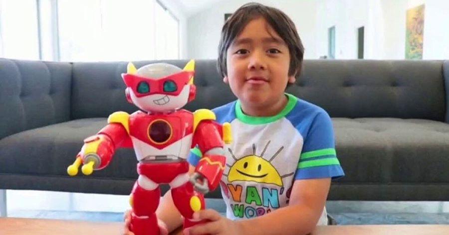 Forbes: Αυτός ο 9χρονος πιτσιρικάς είναι ο μεγαλύτερος εισοδηματίας του YouTube – ΒΙΝΤΕΟ