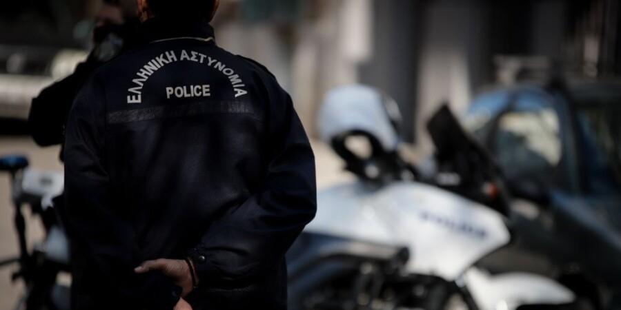 Περίεργη υπόθεση: Αστυνομικός καταγγέλλει ότι έπεσε θύμα κλοπής μέσα σε Αστυνομικό Τμήμα στα βόρεια προάστια – ΒΙΝΤΕΟ