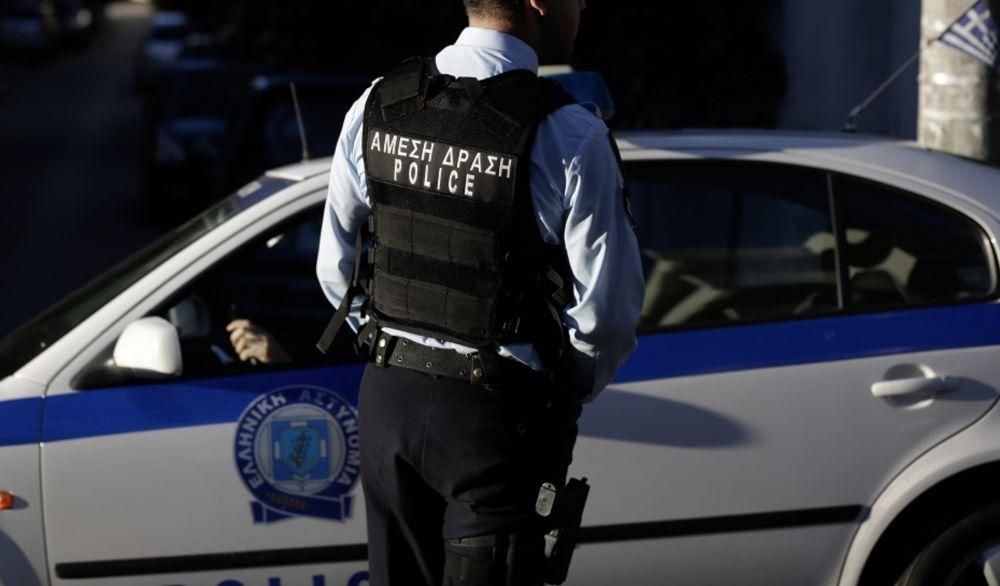 """Ληστές με βαρύ οπλισμό """"χτύπησαν"""" σε τράπεζα στο κέντρο της Αθήνας – ΒΙΝΤΕΟ"""