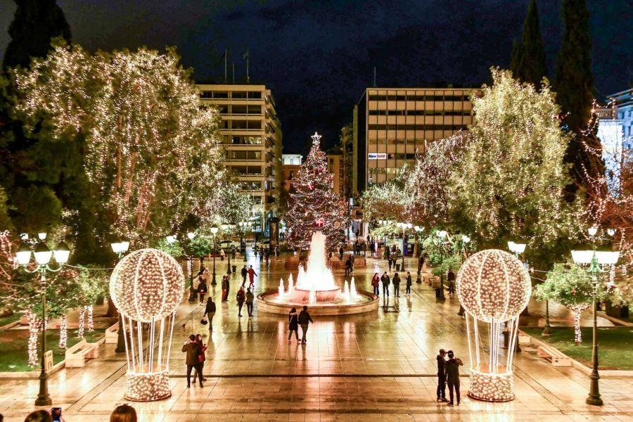Η στολισμένη Χριστουγεννιάτικη Αθήνα ταξιδεύει σε όλο τον κόσμο – ΒΙΝΤΕΟ