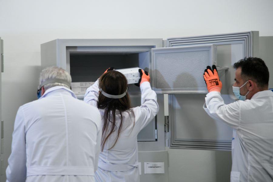 Ναύπακτος: Χάλασε το ψυγείο με τα εμβόλια του κορονοϊού μετά από διακοπή ρεύματος  – Αναβλήθηκαν οι εμβολιασμοί – ΒΙΝΤΕΟ