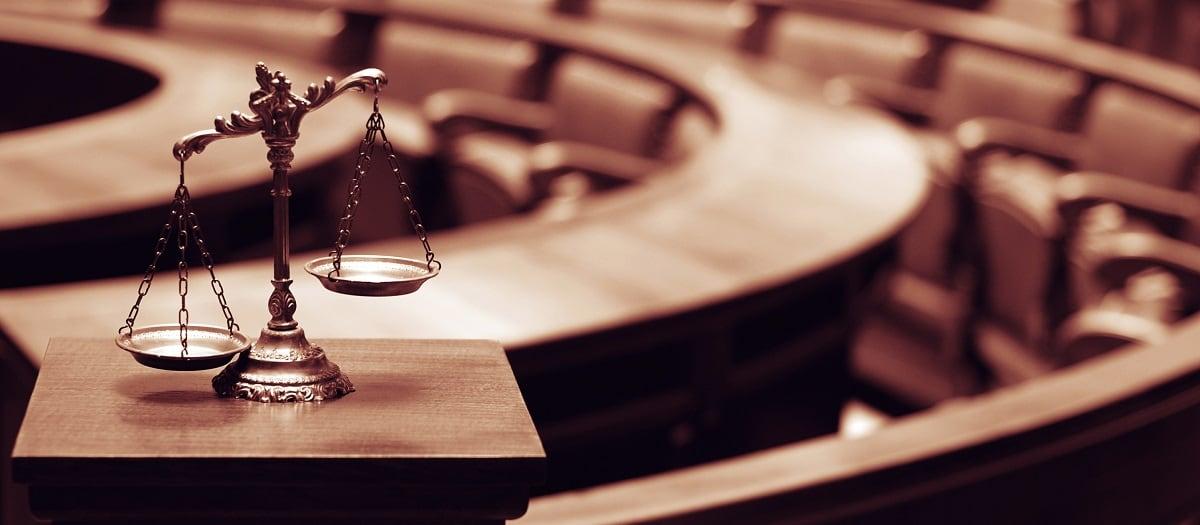 Νέα ΚΥΑ: Να εκδικάζονται όλες οι δίκες με κρατούμενους, περισσότερες διαδικασίες σε λειτουργία και κυρίως ενημέρωση ζητούν οι δικηγόροι