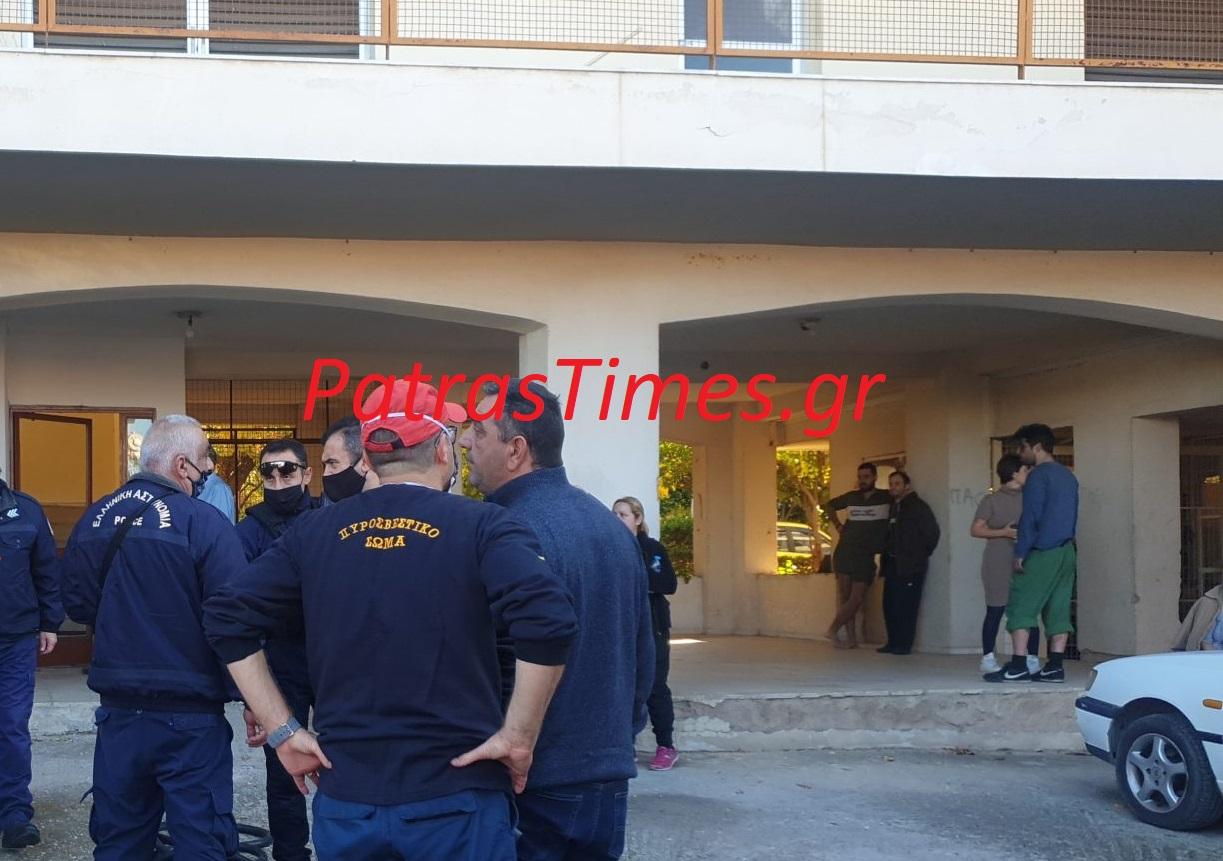 Πάτρα: Φωτιά σε διαμέρισμα – Απεγκλωβίστηκαν 4 άτομα
