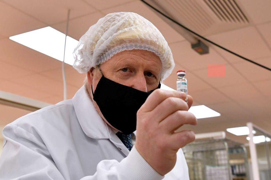 Χαμόγελα αισιοδοξίας: Το εμβόλιο των Pfizer-BioNTech έλαβε έγκριση για χρήση στη Βρετανία – BINTEO