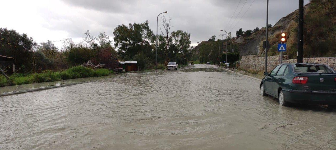 Ζάκυνθος : Πλημμύρες από την ισχυρή νεροποντή (ΒΙΝΤΕΟ)