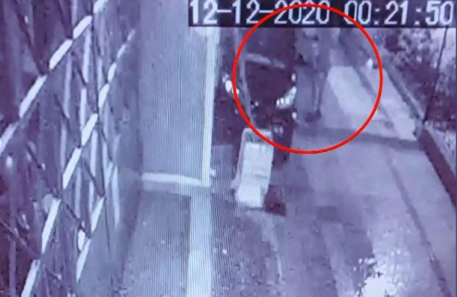 BINTEO ντοκουμέντο από την ληστεία στο σπίτι του πασίγνωστου επιχειρηματία της Μυκόνου – Τον έδεσαν και του πήραν το αυτοκίνητο