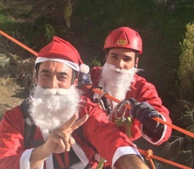 Ο Άγιος Βασίλης έφτασε με… γερανό στο ΠΑΓΝΗ / ΒΙΝΤΕΟ
