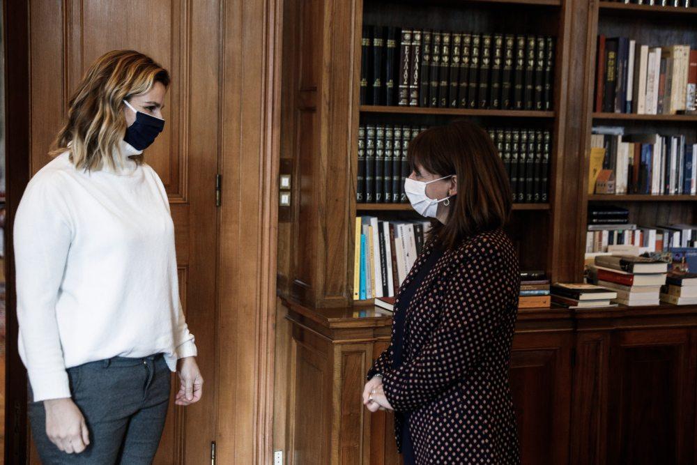 Συναντήθηκε με την Πρόεδρο της Δημοκρατίας η Μπεκατώρου -Ισχυρή στήριξη της Κατερίνας Σακελλαροπούλου