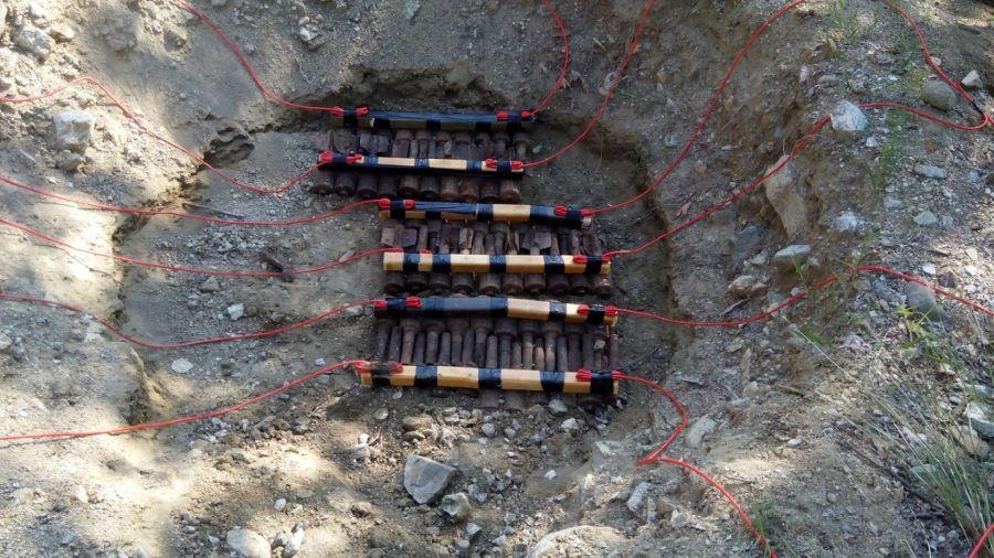 """Σοκ στη Ζάκυνθο: Η ΕΛΑΣ εντόπισε 800 κιλά εκρηκτικά σε εγκαταλελειμμένο σπίτι – Ήταν ικανά να """"τινάξουν στον αέρα"""" το νησί – ΒΙΝΤΕΟ"""