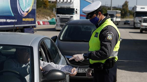 ΕΛ.ΑΣ: 1.440 παραβάσεις και 14 συλλήψεις, την Κυριακή  στους ελέγχους  για τα μέτρα αποφυγής της διάδοσης του κορονοϊού