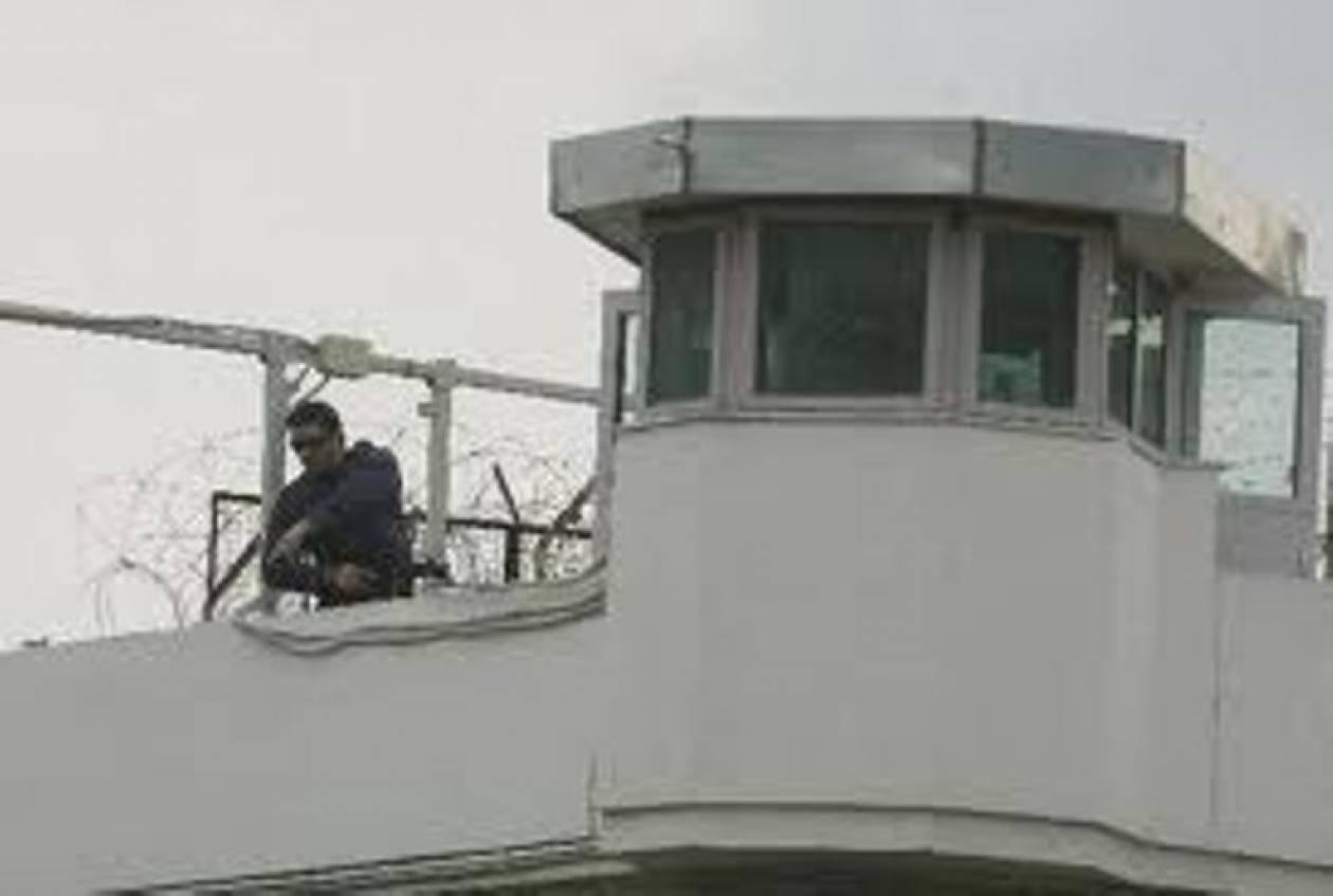 Νέο καμπανάκι σημαίνουν οι εξωτερικοί φρουροί των φυλακών – Συνεχίζουν τις κινητοποιήσεις