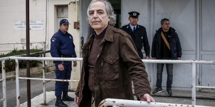 """Κουφοντίνας: """"Συνεχίζω την απεργία πείνας"""""""