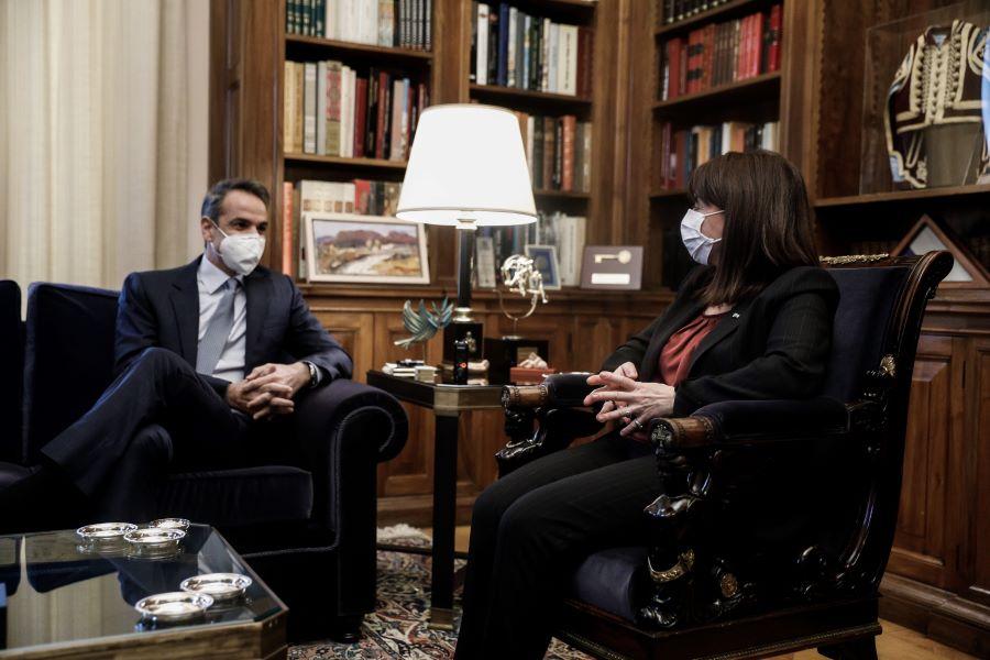 Μητσοτάκης: Η διαδικασία των εμβολιασμών προχωράει πολύ ικανοποιητικά – Όλος ο διάλογος του Πρωθυπουργού με την ΠτΔ – ΒΙΝΤΕΟ – ΦΩΤΟ