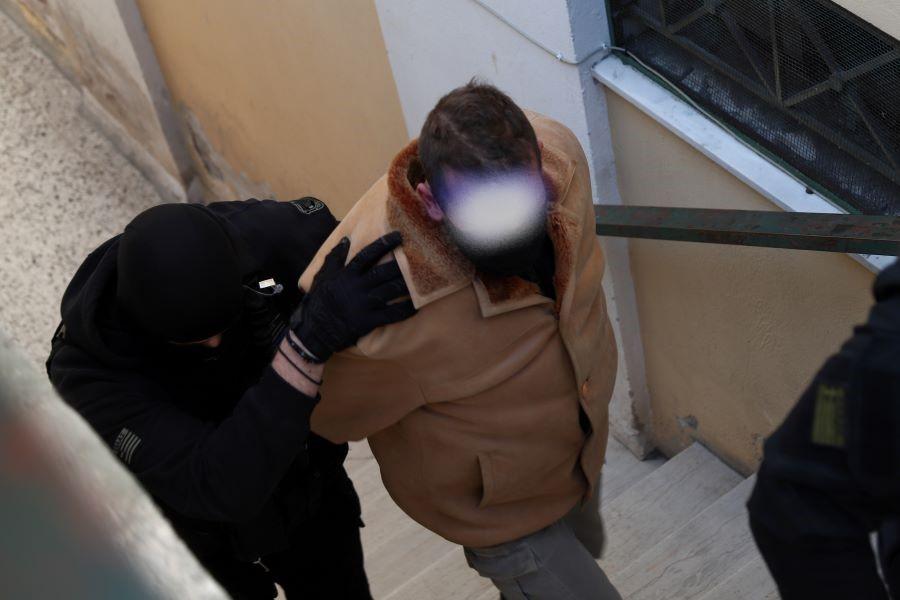 """Βιασμός 11χρονης αθλήτριας: """"Απειλούσε τη ζωή μου αν μιλούσα"""" – Τι κατέθεσε στον Εισαγγελέα η 21χρονη σήμερα αθλήτρια"""
