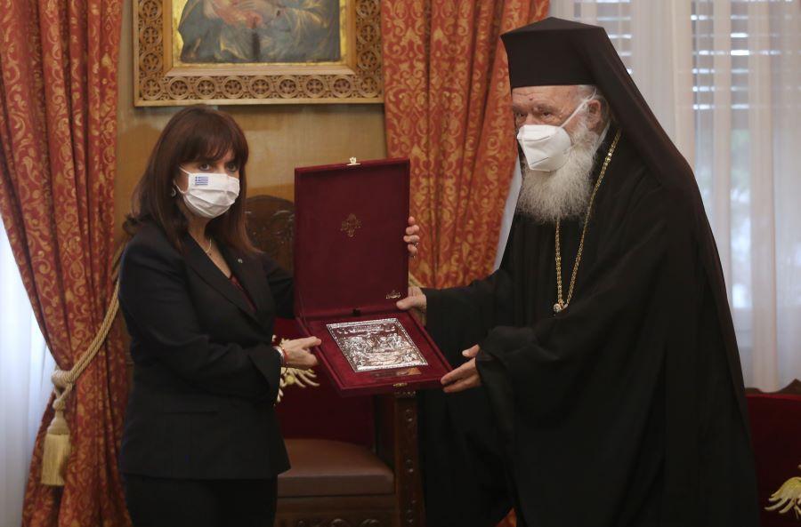 ΠτΔ: Γόνιμη ανταλλαγή απόψεων στη συνάντηση με τον Αρχιεπίσκοπο Ιερώνυμο – ΒΙΝΤΕΟ – ΦΩΤΟ