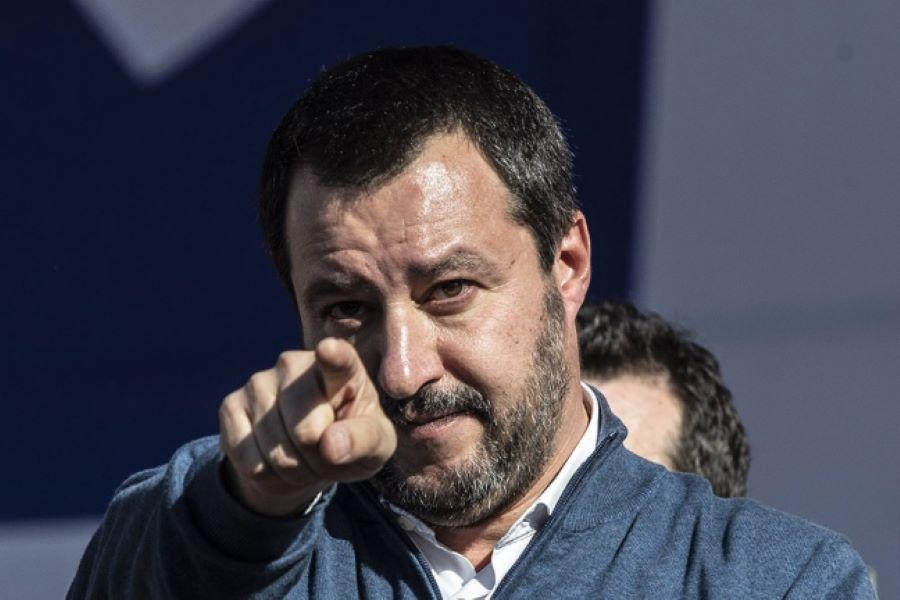 Ραγδαίες εξελίξεις στην Ιταλία: Στο εδώλιο για το προσφυγικό ο Ματέο Σαλβίνι – ΒΙΝΤΕΟ