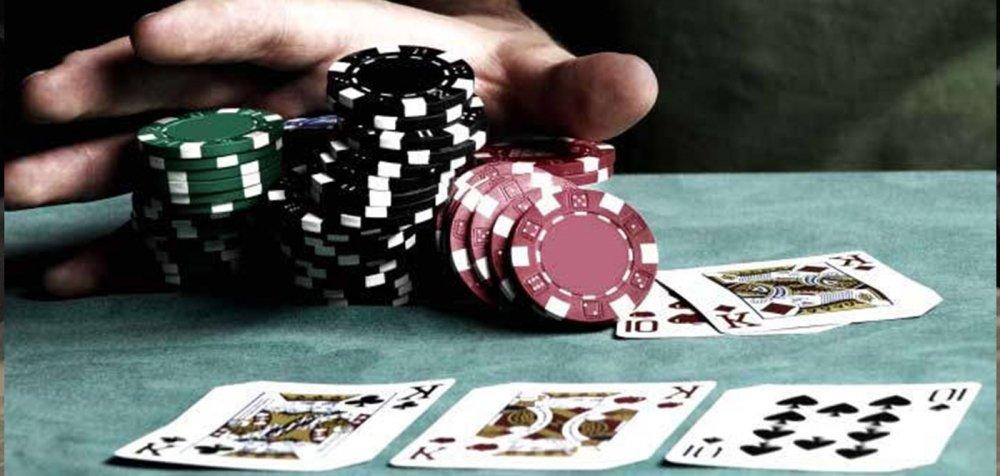 Ρέθυμνο: 20 συλλήψεις και «χασούρα» 28.000 ευρώ για μανιώδεις χαρτοπαίκτες