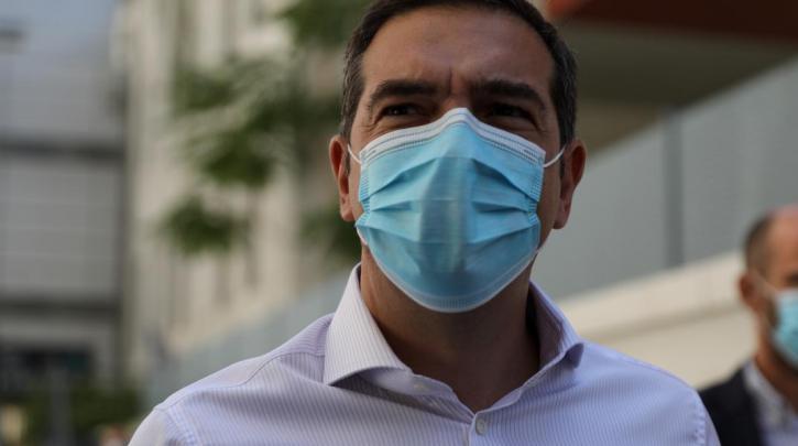 Τσίπρας: Προσπαθούν να φορτώσουν ευθύνες σε Επιτροπή και γιατρούς για να ξεφορτωθούν τις δικές τους