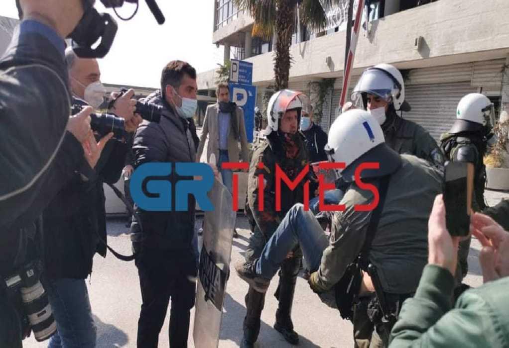 Θεσσαλονίκη: Σε 31 συλλήψεις μετατράπηκαν οι προσαγωγές κατά την αστυνομική επιχείρηση στο ΑΠΘ