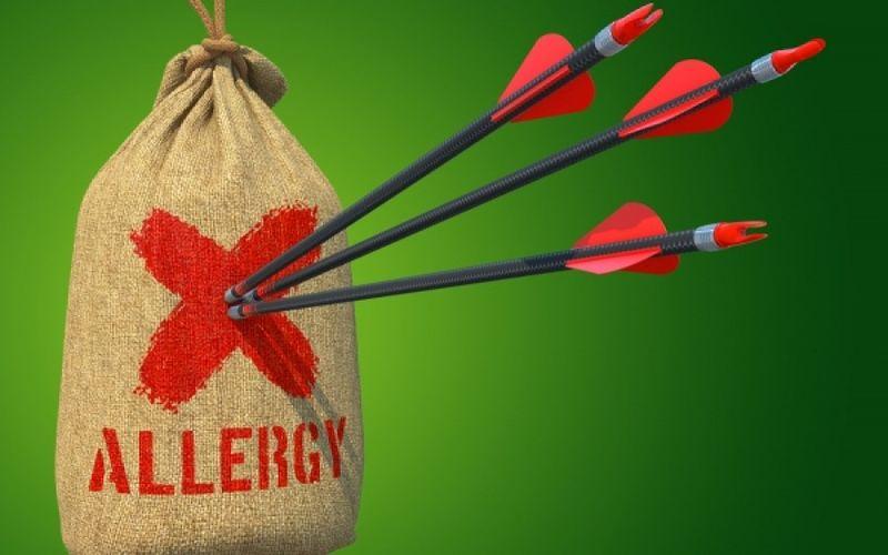 ΕΚΠΑ: 66 περιπτώσεις αναφυλαξίας σε 17,5 εκατομμύρια δόσεις των mRNA εμβολίων