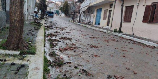 Ανεμοστρόβιλος χτύπησε τις Σέρρες – Ξηλώθηκαν σκεπές, ξεριζώθηκαν δέντρα