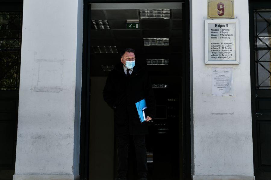 """Φολέγανδρος: """"Παράνομη και προκλητική η προσπάθεια μετατροπής του καθ' ομολογία δολοφόνου της Γαρυφαλλιάς σε θύμα ψυχικής παθήσεως"""" λέει ο Κούγιας"""