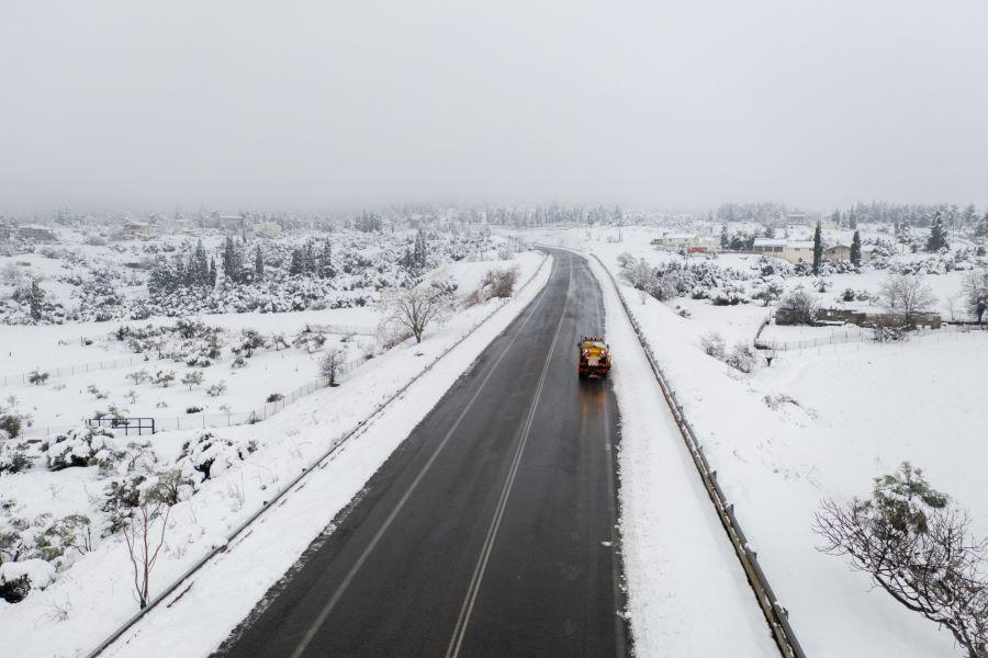 """""""Λευκές χειροπέδες"""" και στην Αττική: Έκλεισε η εθνική οδός από την Καλυφτάκη έως τη Λαμία με εντολή Χρυσοχοΐδη – Κανονικά τα δρομολόγια του τρένου – Που είναι κλειστοί οι δρόμοι – ΒΙΝΤΕΟ"""