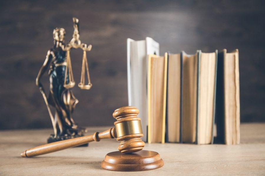 Κατατέθηκε στην Ολομέλεια της Βουλής το νομοσχέδιο: Αυξάνονται οι οργανικές θέσεις των δικαστικών Λειτουργών κατά 18 – Πώς κατανέμονται