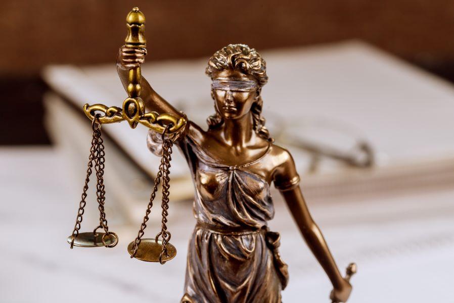 Ολόκληρη η έκθεση της Ευρωπαϊκής Επιτροπής για την Ελληνική Δικαιοσύνη – Οι παθογένειες, η μέτρια αξιοπιστία και η ψήφος εμπιστοσύνης για τις ψηφιακές μεταρρυθμίσεις