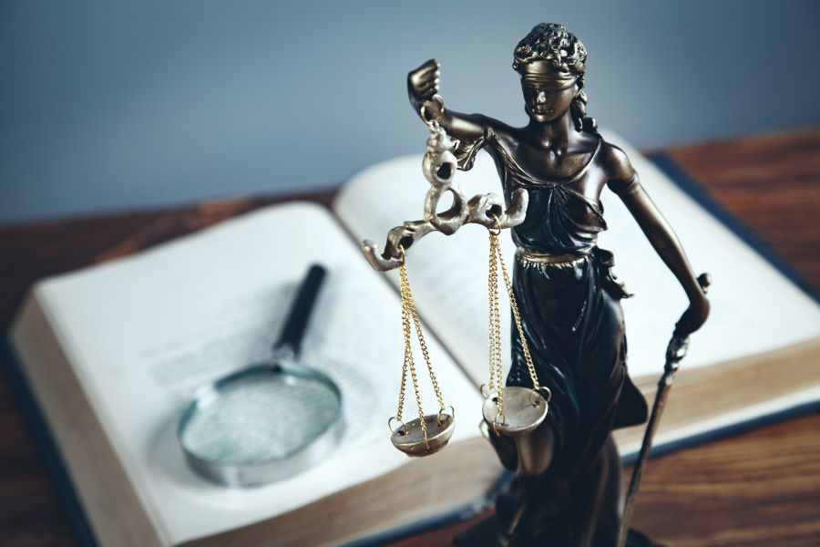 Άρειος Πάγος για ελαφρυντικό σύννομου βίου: Το δικαιούται ο κατηγορούμενος με λευκό ποινικό μητρώο – Δεν έχει το βάρος απόδειξης της ανυπαρξίας παραβατικής συμπεριφοράς