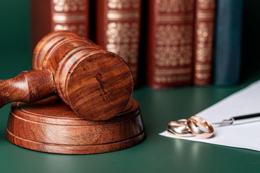 Έρχεται το e-διαζύγιο: Λύση γάμου εξπρές με ένα κλικπεριλαμβάνει το νομοσχέδιο για τη μεταρρύθμιση στο οικογενειακό Δίκαιο